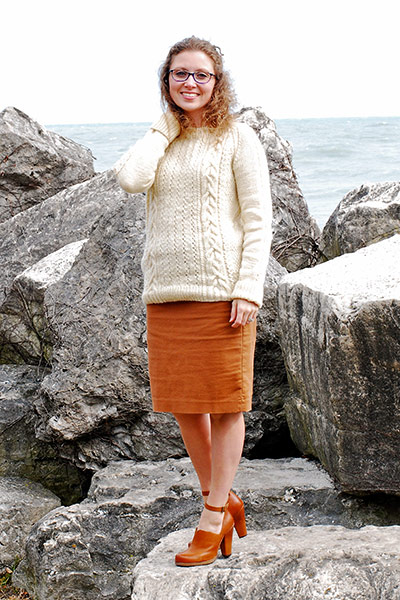 Michelle's Beekman Tavern Pullover